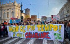 Fridays For Future: il 24 settembre anche Torino scende in piazza per il clima (info e orari)