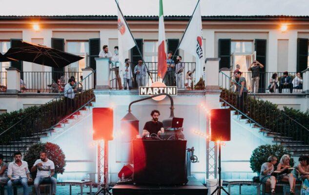 Una Notte a Casa Martini: cocktail, aperitivo, musica e visite guidate allo stabilimento