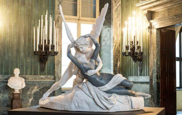 In between: le monumentali statue tatuate di Fabio Viale in mostra a Torino
